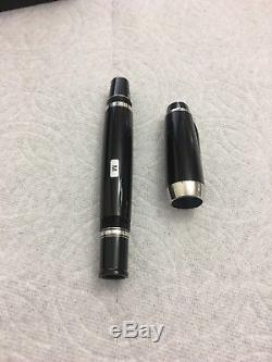 Mint Montblanc Boheme Platinum Line Fountain Pen Broad 18k Gold Nib M