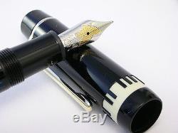 Montblanc Herbet Von Karajan Fountain Pen With Scarf New In Box