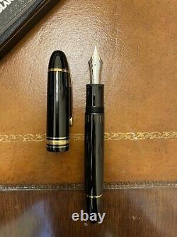 Montblanc Meisterstuck 149 Fountain Pen 14K Nib